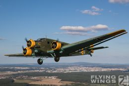 http://flying-wings.com/plugins/content/sige/plugin_sige/showthumb.php?img=/images//galleries/18_Ju-52/2/Pilsen_Ju-52_air-air-0776_Zeitler.jpg&width=260&height=300&quality=80&ratio=1&crop=0&crop_factor=50&thumbdetail=0