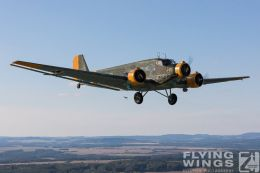 http://flying-wings.com/plugins/content/sige/plugin_sige/showthumb.php?img=/images//galleries/18_Ju-52/2/Pilsen_Ju-52_air-air-8979_Zeitler.jpg&width=260&height=300&quality=80&ratio=1&crop=0&crop_factor=50&thumbdetail=0
