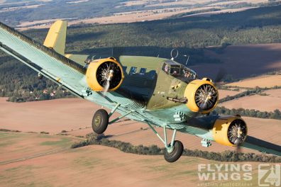 http://flying-wings.com/plugins/content/sige/plugin_sige/showthumb.php?img=/images//galleries/18_Ju-52/3/Pilsen_Ju-52_air-air-8958_Zeitler.jpg&width=396&height=300&quality=80&ratio=1&crop=0&crop_factor=50&thumbdetail=0