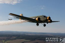 http://flying-wings.com/plugins/content/sige/plugin_sige/showthumb.php?img=/images//galleries/18_Ju-52/4/Pilsen_Spit_Ju-9006_Zeitler.jpg&width=260&height=300&quality=80&ratio=1&crop=0&crop_factor=50&thumbdetail=0