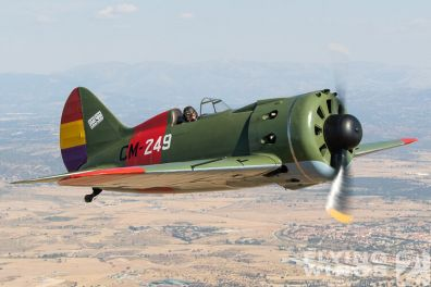 http://flying-wings.com/plugins/content/sige/plugin_sige/showthumb.php?img=/images/air2air/18_Mosca/2_4/FIO_Madrid_I-16-1215_Zeitler.jpg&width=396&height=300&quality=80&ratio=1&crop=0&crop_factor=50&thumbdetail=0
