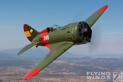 http://flying-wings.com/plugins/content/sige/plugin_sige/showthumb.php?img=/images/air2air/18_Mosca/3_4/FIO_Madrid_I-16-0067_Zeitler.jpg&width=396&height=300&quality=80&ratio=1&crop=0&crop_factor=50&thumbdetail=0