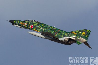 http://flying-wings.com/plugins/content/sige/plugin_sige/showthumb.php?img=/images/airshows/17_gifu/f-41/Gifu_F-4-9210_Zeitler.jpg&width=396&height=300&quality=80&ratio=1&crop=0&crop_factor=50&thumbdetail=0