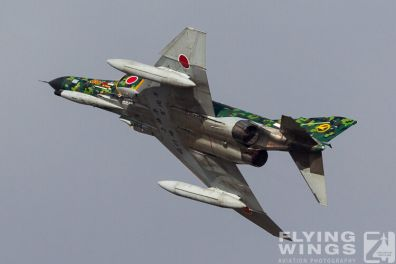 http://flying-wings.com/plugins/content/sige/plugin_sige/showthumb.php?img=/images/airshows/17_gifu/f-41/Gifu_F-4-9213_Zeitler.jpg&width=396&height=300&quality=80&ratio=1&crop=0&crop_factor=50&thumbdetail=0