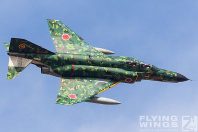 http://flying-wings.com/plugins/content/sige/plugin_sige/showthumb.php?img=/images/airshows/17_gifu/f-41/Gifu_F-4-9375_Zeitler.jpg&width=396&height=300&quality=80&ratio=1&crop=0&crop_factor=50&thumbdetail=0
