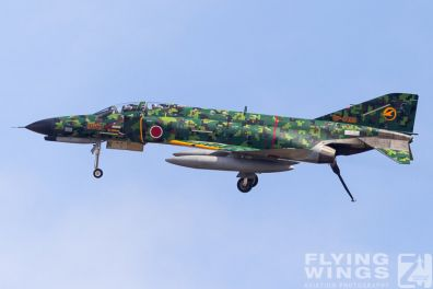 http://flying-wings.com/plugins/content/sige/plugin_sige/showthumb.php?img=/images/airshows/17_gifu/f-41/Gifu_F-4-9390_Zeitler.jpg&width=396&height=300&quality=80&ratio=1&crop=0&crop_factor=50&thumbdetail=0