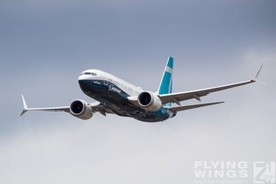 http://flying-wings.com/plugins/content/sige/plugin_sige/showthumb.php?img=/images/airshows/18_Farnborough/Boeing_4/Farnborough_B737_max-2739_Zeitler.jpg&width=396&height=300&quality=80&ratio=1&crop=0&crop_factor=50&thumbdetail=0