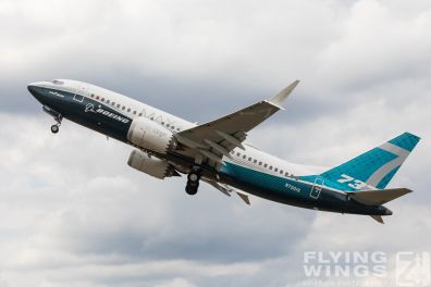 http://flying-wings.com/plugins/content/sige/plugin_sige/showthumb.php?img=/images/airshows/18_Farnborough/Boeing_4/Farnborough_B737_max-4205_Zeitler.jpg&width=396&height=300&quality=80&ratio=1&crop=0&crop_factor=50&thumbdetail=0