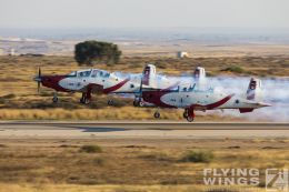http://flying-wings.com/plugins/content/sige/plugin_sige/showthumb.php?img=/images/airshows/18_Hatzerim/efroni/Israel_Display_Team-0087_Zeitler.jpg&width=260&height=300&quality=80&ratio=1&crop=0&crop_factor=50&thumbdetail=0