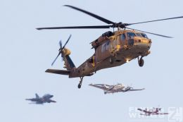 http://flying-wings.com/plugins/content/sige/plugin_sige/showthumb.php?img=/images/airshows/18_Hatzerim/formations/Israel_Helicopter-7865_Zeitler.jpg&width=260&height=300&quality=80&ratio=1&crop=0&crop_factor=50&thumbdetail=0