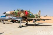 http://flying-wings.com/plugins/content/sige/plugin_sige/showthumb.php?img=/images/airshows/18_Hatzerim/gallery/Israel_Static-0578_Zeitler.jpg&width=180&height=200&quality=80&ratio=1&crop=0&crop_factor=50&thumbdetail=0
