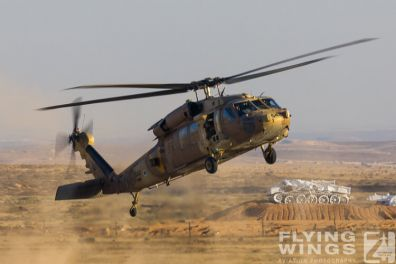 http://flying-wings.com/plugins/content/sige/plugin_sige/showthumb.php?img=/images/airshows/18_Hatzerim/helicopter/Israel_Blackhawk-0149_Zeitler.jpg&width=396&height=300&quality=80&ratio=1&crop=0&crop_factor=50&thumbdetail=0