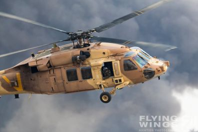http://flying-wings.com/plugins/content/sige/plugin_sige/showthumb.php?img=/images/airshows/18_Hatzerim/helicopter/Israel_Blackhawk-8099_Zeitler.jpg&width=396&height=300&quality=80&ratio=1&crop=0&crop_factor=50&thumbdetail=0