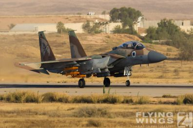 http://flying-wings.com/plugins/content/sige/plugin_sige/showthumb.php?img=/images/airshows/18_Hatzerim/raam/Israel_F-15I-0105_Zeitler.jpg&width=396&height=300&quality=80&ratio=1&crop=0&crop_factor=50&thumbdetail=0