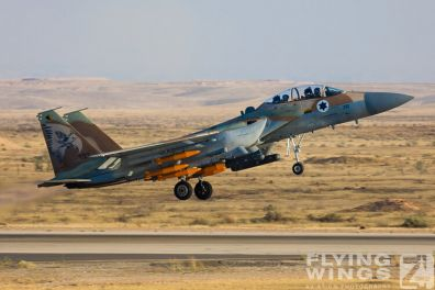 http://flying-wings.com/plugins/content/sige/plugin_sige/showthumb.php?img=/images/airshows/18_Hatzerim/raam/Israel_F-15I-0113_Zeitler.jpg&width=396&height=300&quality=80&ratio=1&crop=0&crop_factor=50&thumbdetail=0