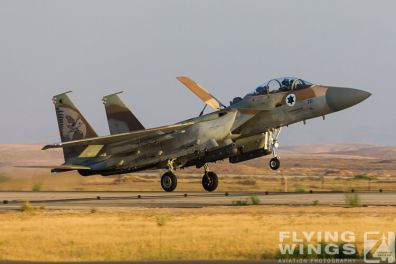 http://flying-wings.com/plugins/content/sige/plugin_sige/showthumb.php?img=/images/airshows/18_Hatzerim/raam/Israel_F-15I-0200_Zeitler.jpg&width=396&height=300&quality=80&ratio=1&crop=0&crop_factor=50&thumbdetail=0