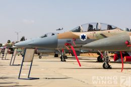 http://flying-wings.com/plugins/content/sige/plugin_sige/showthumb.php?img=/images/airshows/18_Hatzerim/so3/Israel_Static-0609_Zeitler.jpg&width=260&height=300&quality=80&ratio=1&crop=0&crop_factor=50&thumbdetail=0