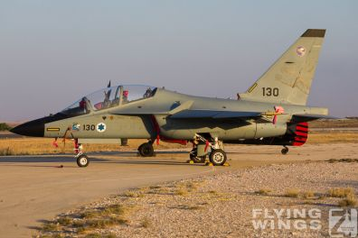 http://flying-wings.com/plugins/content/sige/plugin_sige/showthumb.php?img=/images/airshows/18_Hatzerim/static/Israel_Static-0249_Zeitler.jpg&width=396&height=300&quality=80&ratio=1&crop=0&crop_factor=50&thumbdetail=0
