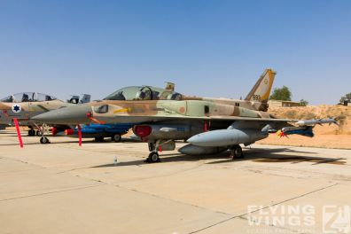 http://flying-wings.com/plugins/content/sige/plugin_sige/showthumb.php?img=/images/airshows/18_Hatzerim/static/Israel_Static-0548_Zeitler.jpg&width=396&height=300&quality=80&ratio=1&crop=0&crop_factor=50&thumbdetail=0