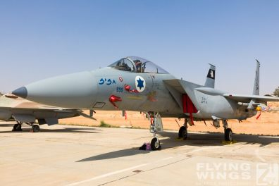http://flying-wings.com/plugins/content/sige/plugin_sige/showthumb.php?img=/images/airshows/18_Hatzerim/static/Israel_Static-0566_Zeitler.jpg&width=396&height=300&quality=80&ratio=1&crop=0&crop_factor=50&thumbdetail=0