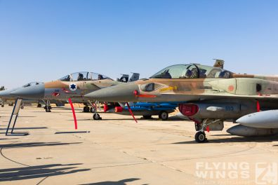 http://flying-wings.com/plugins/content/sige/plugin_sige/showthumb.php?img=/images/airshows/18_Hatzerim/static/Israel_Static-9996_Zeitler.jpg&width=396&height=300&quality=80&ratio=1&crop=0&crop_factor=50&thumbdetail=0
