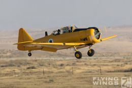 http://flying-wings.com/plugins/content/sige/plugin_sige/showthumb.php?img=/images/airshows/18_Hatzerim/warbirds/Israel_T-6-7276_Zeitler.jpg&width=260&height=300&quality=80&ratio=1&crop=0&crop_factor=50&thumbdetail=0
