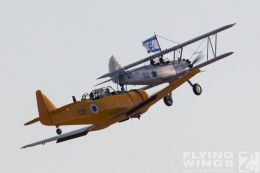 http://flying-wings.com/plugins/content/sige/plugin_sige/showthumb.php?img=/images/airshows/18_Hatzerim/warbirds/Israel_Warbirds-7291_Zeitler.jpg&width=260&height=300&quality=80&ratio=1&crop=0&crop_factor=50&thumbdetail=0