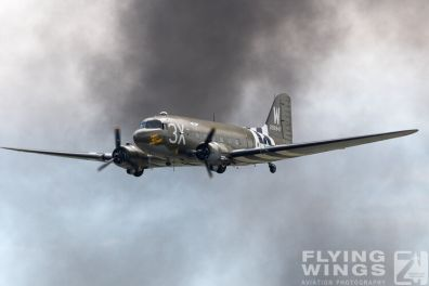 http://flying-wings.com/plugins/content/sige/plugin_sige/showthumb.php?img=/images/airshows/18_Houston/Bomber_4/Houston_Airshow_C-47-3706_Zeitler.jpg&width=396&height=300&quality=80&ratio=1&crop=0&crop_factor=50&thumbdetail=0