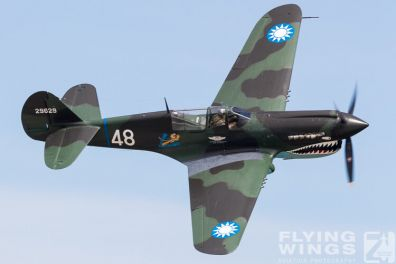 http://flying-wings.com/plugins/content/sige/plugin_sige/showthumb.php?img=/images/airshows/18_Houston/Warbirds_4/Houston_Airshow_P-40-3945_Zeitler.jpg&width=396&height=300&quality=80&ratio=1&crop=0&crop_factor=50&thumbdetail=0