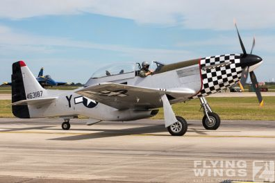 http://flying-wings.com/plugins/content/sige/plugin_sige/showthumb.php?img=/images/airshows/18_Houston/Warbirds_4/Houston_Airshow_P-51-1697_Zeitler.jpg&width=396&height=300&quality=80&ratio=1&crop=0&crop_factor=50&thumbdetail=0
