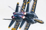 http://flying-wings.com/plugins/content/sige/plugin_sige/showthumb.php?img=/images/airshows/18_Houston/gallery/Houston_Airshow_Blue_Angels-3206_Zeitler.jpg&width=180&height=200&quality=80&ratio=1&crop=0&crop_factor=50&thumbdetail=0