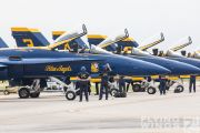 http://flying-wings.com/plugins/content/sige/plugin_sige/showthumb.php?img=/images/airshows/18_Houston/gallery/Houston_Airshow_Blue_Angels_ground-0986_Zeitler.jpg&width=180&height=200&quality=80&ratio=1&crop=0&crop_factor=50&thumbdetail=0