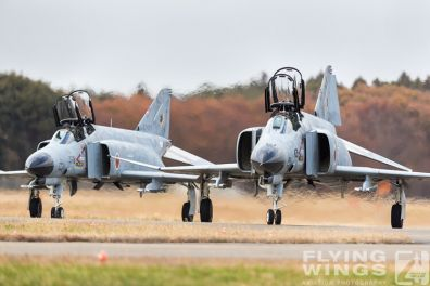 http://flying-wings.com/plugins/content/sige/plugin_sige/showthumb.php?img=/images/airshows/18_Hyakuri/f-4display_2/Hyakuri_Airshow_F-4EJ-0204_Zeitler.jpg&width=396&height=300&quality=80&ratio=1&crop=0&crop_factor=50&thumbdetail=0