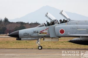 http://flying-wings.com/plugins/content/sige/plugin_sige/showthumb.php?img=/images/airshows/18_Hyakuri/f-4display_2/Hyakuri_Airshow_F-4EJ-5267_Zeitler.jpg&width=396&height=300&quality=80&ratio=1&crop=0&crop_factor=50&thumbdetail=0