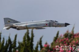 http://flying-wings.com/plugins/content/sige/plugin_sige/showthumb.php?img=/images/airshows/18_Hyakuri/flying_3/Hyakuri_Airshow_F-4EJ-0046_Zeitler.jpg&width=260&height=300&quality=80&ratio=1&crop=0&crop_factor=50&thumbdetail=0