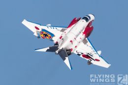 http://flying-wings.com/plugins/content/sige/plugin_sige/showthumb.php?img=/images/airshows/18_Hyakuri/flying_3/Hyakuri_Airshow_Specials-8980_Zeitler.jpg&width=260&height=300&quality=80&ratio=1&crop=0&crop_factor=50&thumbdetail=0