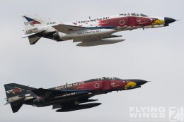 http://flying-wings.com/plugins/content/sige/plugin_sige/showthumb.php?img=/images/airshows/18_Hyakuri/flying_3/Hyakuri_Airshow_Specials-9819_Zeitler.jpg&width=260&height=300&quality=80&ratio=1&crop=0&crop_factor=50&thumbdetail=0