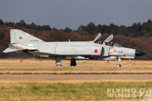 http://flying-wings.com/plugins/content/sige/plugin_sige/showthumb.php?img=/images/airshows/18_Hyakuri/gallery/Hyakuri_Airshow_F-4EJ-0191_Zeitler.jpg&width=260&height=400&quality=80&ratio=1&crop=0&crop_factor=50&thumbdetail=0
