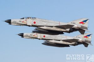 http://flying-wings.com/plugins/content/sige/plugin_sige/showthumb.php?img=/images/airshows/18_Hyakuri/gallery/Hyakuri_Airshow_Formation-8674_Zeitler.jpg&width=260&height=400&quality=80&ratio=1&crop=0&crop_factor=50&thumbdetail=0