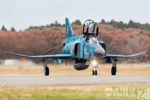http://flying-wings.com/plugins/content/sige/plugin_sige/showthumb.php?img=/images/airshows/18_Hyakuri/gallery/Hyakuri_Airshow_RF-4E-2_Zeitler-2.jpg&width=260&height=400&quality=80&ratio=1&crop=0&crop_factor=50&thumbdetail=0