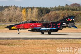 http://flying-wings.com/plugins/content/sige/plugin_sige/showthumb.php?img=/images/airshows/18_Hyakuri/gallery/Hyakuri_Airshow_Specials-5005_Zeitler.jpg&width=260&height=400&quality=80&ratio=1&crop=0&crop_factor=50&thumbdetail=0