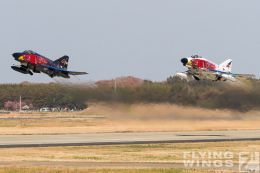 http://flying-wings.com/plugins/content/sige/plugin_sige/showthumb.php?img=/images/airshows/18_Hyakuri/gallery/Hyakuri_Airshow_Specials-8919_Zeitler.jpg&width=260&height=400&quality=80&ratio=1&crop=0&crop_factor=50&thumbdetail=0