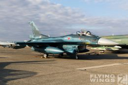http://flying-wings.com/plugins/content/sige/plugin_sige/showthumb.php?img=/images/airshows/18_Hyakuri/gallery/Hyakuri_Airshow_static-9538_Zeitler.jpg&width=260&height=400&quality=80&ratio=1&crop=0&crop_factor=50&thumbdetail=0