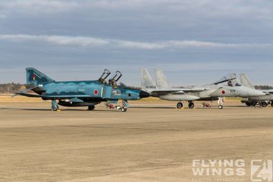 http://flying-wings.com/plugins/content/sige/plugin_sige/showthumb.php?img=/images/airshows/18_Hyakuri/intro_2/Hyakuri_Airshow_RF-4E-9513_Zeitler.jpg&width=396&height=300&quality=80&ratio=1&crop=0&crop_factor=50&thumbdetail=0