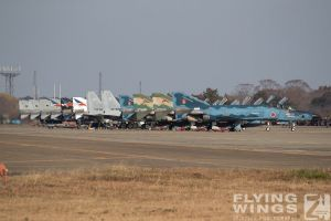 http://flying-wings.com/plugins/content/sige/plugin_sige/showthumb.php?img=/images/airshows/18_Hyakuri/intro_2/Hyakuri_Airshow_so-8910_Zeitler.jpg&width=396&height=300&quality=80&ratio=1&crop=0&crop_factor=50&thumbdetail=0