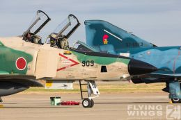 http://flying-wings.com/plugins/content/sige/plugin_sige/showthumb.php?img=/images/airshows/18_Hyakuri/phantoms9_3/Hyakuri_Airshow_RF-4E-5151_Zeitler.jpg&width=260&height=300&quality=80&ratio=1&crop=0&crop_factor=50&thumbdetail=0