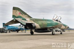 http://flying-wings.com/plugins/content/sige/plugin_sige/showthumb.php?img=/images/airshows/18_Hyakuri/phantoms9_3/Hyakuri_Airshow_RF-4E-9595_Zeitler.jpg&width=260&height=300&quality=80&ratio=1&crop=0&crop_factor=50&thumbdetail=0