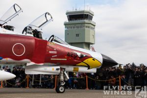 http://flying-wings.com/plugins/content/sige/plugin_sige/showthumb.php?img=/images/airshows/18_Hyakuri/phantoms9_3/Hyakuri_Airshow_static-5533_Zeitler.jpg&width=260&height=300&quality=80&ratio=1&crop=0&crop_factor=50&thumbdetail=0