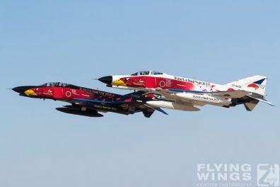 http://flying-wings.com/plugins/content/sige/plugin_sige/showthumb.php?img=/images/airshows/18_Hyakuri/towers_2/Hyakuri_Airshow_Specials-8940_Zeitler.jpg&width=396&height=300&quality=80&ratio=1&crop=0&crop_factor=50&thumbdetail=0