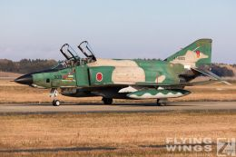 http://flying-wings.com/plugins/content/sige/plugin_sige/showthumb.php?img=/images/airshows/18_Japan/1/Hyakuri_501-2949_Zeitler.jpg&width=260&height=300&quality=80&ratio=1&crop=0&crop_factor=50&thumbdetail=0